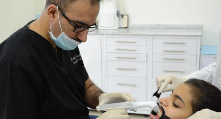 Dentisterie esthétique: «Maryland Bridge» Prise de teinte avec Rayplicker™ - Mohammad Abualhaj - Borea